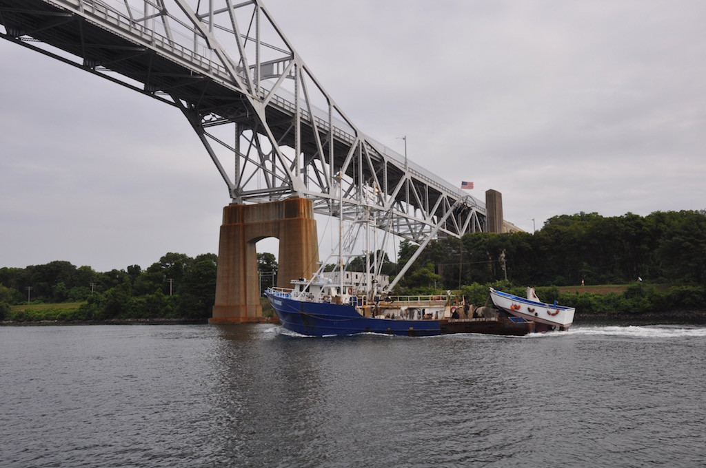 Fishing vessel in Cape Cod Canal