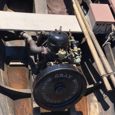 Monocylinder engine in wooden boat