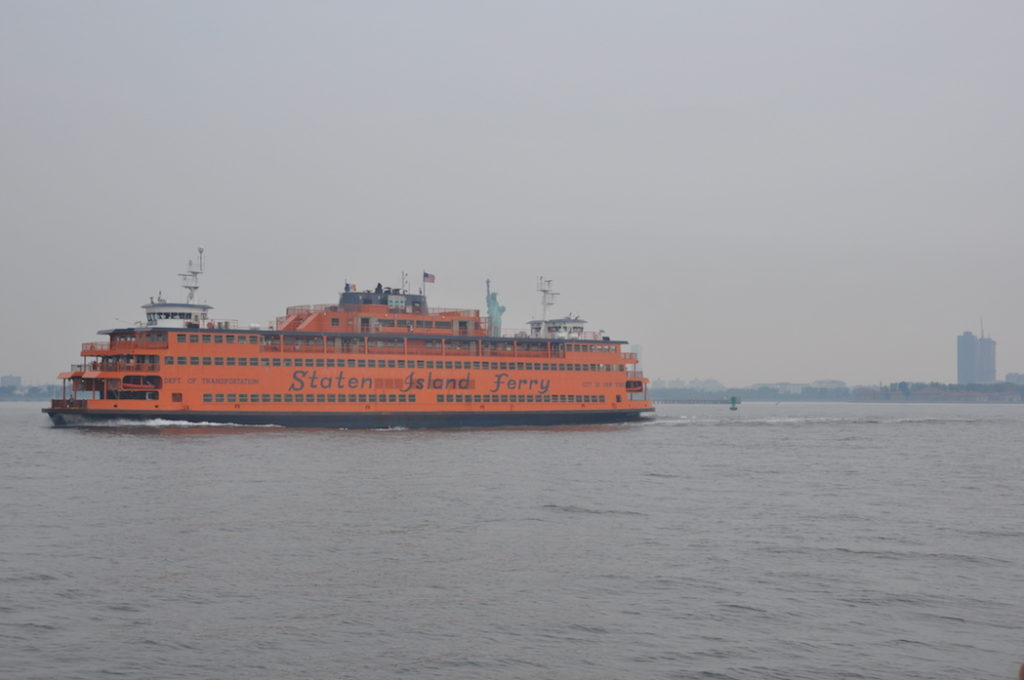 """Lots of traffic - Looks like the Staten Island Ferry tries to """"steal"""" the Statue of Liberty ;-)"""