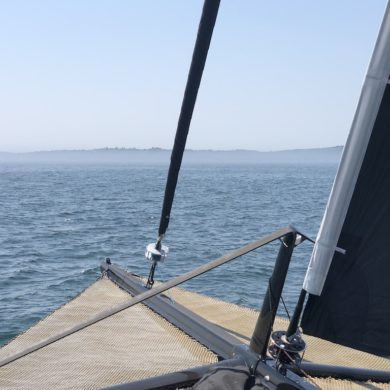 Fog clears up - sailing on Moonwave